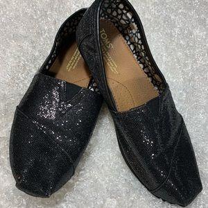 🌸TOMS Black on Black Glitter Shoes🌸